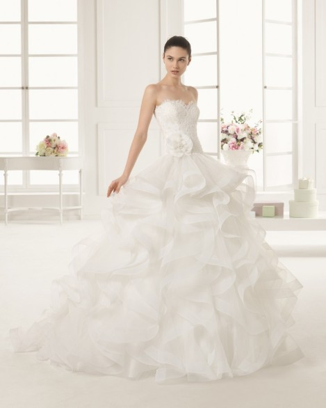 bridaldress_rosaclara_espiral_img1-819x1024